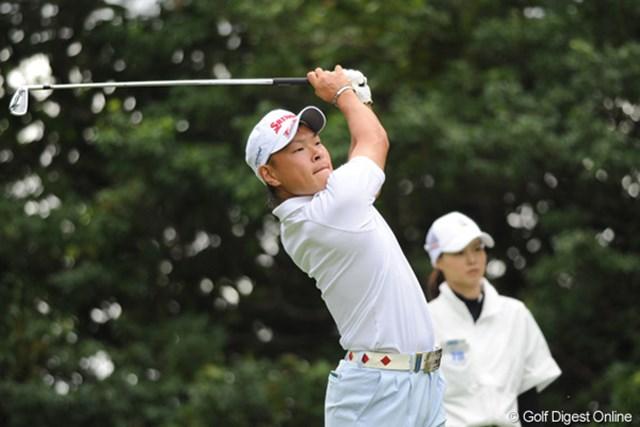 2011年 アジアパシフィックオープンゴルフチャンピオンシップパナソニックオープン 初日 藤本佳則 「それいけフジモトくん②」 日本アマ取材陣が「あの顔は絶対関西人だ」というので「顔で判断するな!」と反論したんやけど、調べたら奈良県人やったんでビックリしたもんです。取材陣恐るべし・・・。