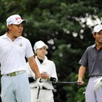 「それいけフジモトくん④」 159ヤードのショートをノ・スンヨルが7Iで打ったことを知り、「エッ、7番・・・」と何回も絶句するフジモトくんと、それを見て苦笑する先輩の図でした。 2011年 アジアパシフィックオープンゴルフチャンピオンシップパナソニックオープン 初日 藤本佳則