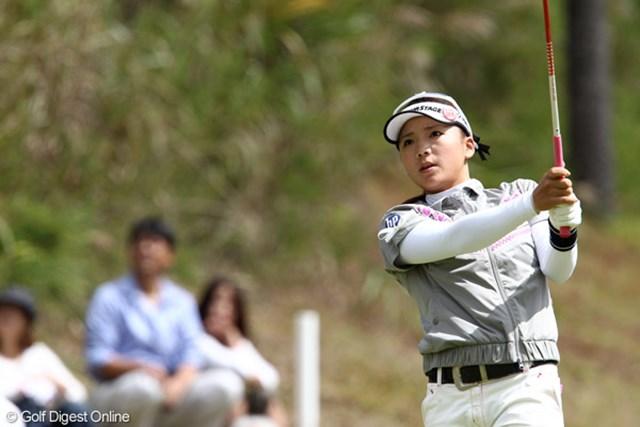 2011年 ミヤギテレビ杯ダンロップ女子オープンゴルフトーナメント 初日 有村智恵 ボギー先行も後半に巻き返した有村智恵は「明日はどうにかなると思う」と頼もしいコメント