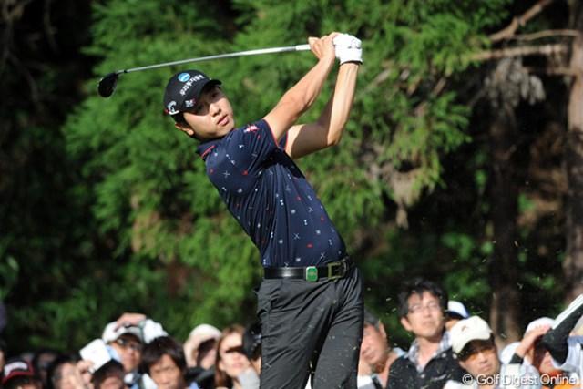 2011年 アジアパシフィックオープンゴルフチャンピオンシップパナソニックオープン 2日目 べ・サンムン 連日遼君とのラウンドにもかかわらず(ギャラリーが多くて、同伴プレーヤーは大変なんですワ)、連日60台をマークしての単独3位はスッゴイで~!
