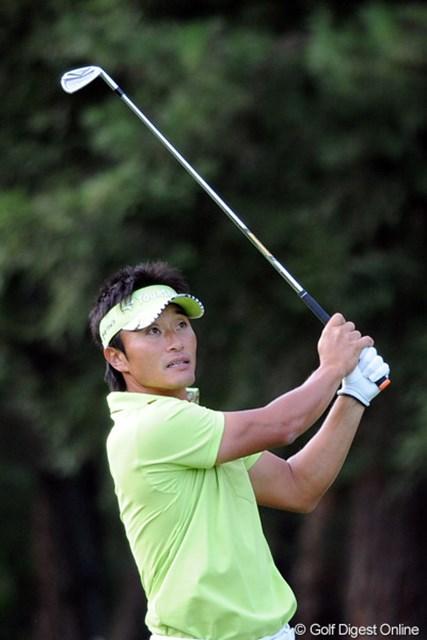 2011年 アジアパシフィックオープンゴルフチャンピオンシップパナソニックオープン 2日目 宮本勝昌 TOSHINの1日10アンダーにも泡食ったけど、今日も午後の遅~い組、しかも遼君の裏で伸ばすんやもん・・・。かなわんわ・・・。4位T