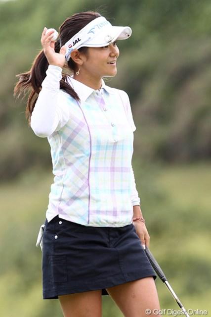 2011年 ミヤギテレビ杯ダンロップ女子オープンゴルフトーナメント 最終日 宮里藍 ギャラリーに向けて藍スマイル