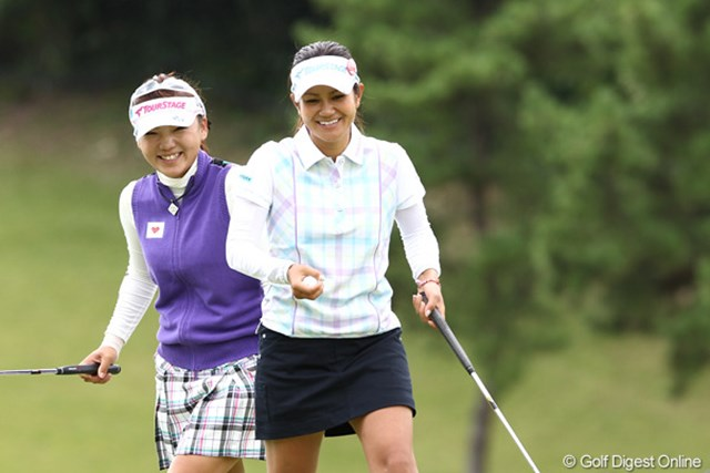 2011年 ミヤギテレビ杯ダンロップ女子オープンゴルフトーナメント 最終日 宮里藍&有村智恵 本日のベストショットかな?個人的に気に入ってます