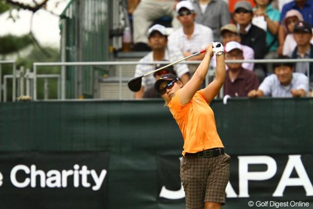 2011年 日本女子オープンゴルフ選手権競技 2日目 馬場ゆかり この日、僅か2人しかいないアンダーパーをマークした馬場ゆかりが首位に肉薄!