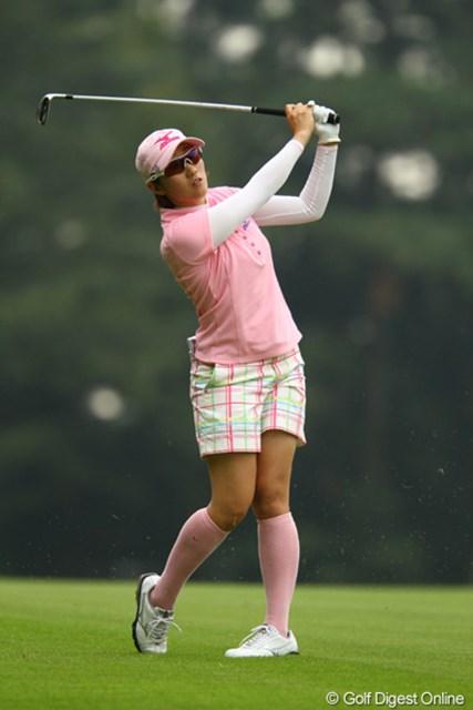 2011年 日本女子オープンゴルフ選手権競技 2日目 飯島茜 ティショットが好調で、ほとんどフェアウェイを外しませんでした。4オーバー6位タイ。