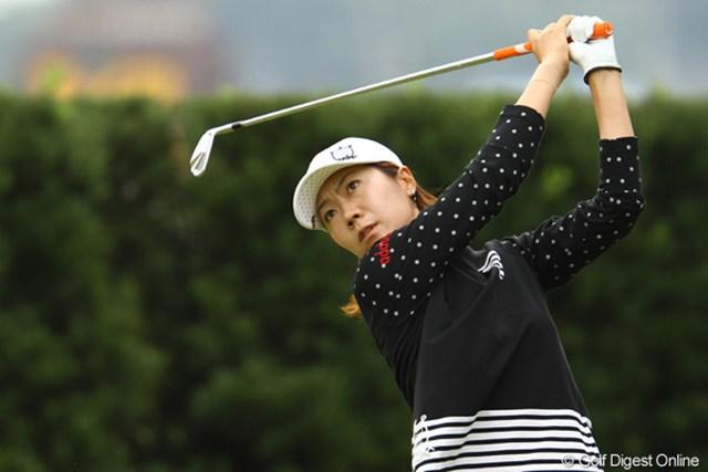 2011年 日本女子オープンゴルフ選手権競技 2日目 李知姫 後半に入ってスコアを落としてしまいました。首位からは陥落しましたが、まだまだ優勝圏内です。