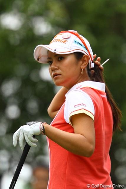 2011年 日本女子オープンゴルフ選手権競技 2日目 宮里藍 連続バーディスタートで、今日は「藍ちゃんの日」かと思ったんですけどねぇ。14番Par4サードショットをシャンクしてダボが痛かったです。