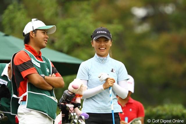 2011年 日本女子オープンゴルフ選手権競技 2日目 テレサ・ルー スタート前は笑顔だったんですけどねぇ。今日6オーバーを叩き、首位から一気に急降下です。