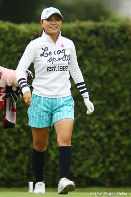 2011年 日本女子オープンゴルフ選手権競技 2日目 横峯さくら 「最近さぁ、何かさくらちゃん綺麗だよねぇ。」って言うカメラマンが多いですよねぇ。