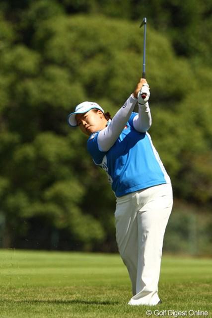 2011年 日本女子オープンゴルフ選手権競技 3日目 アン・ソンジュ さすがは女王です。風が吹き、さらに難しくなったコンディションの中でナイスプレー。首位と4打差、5位タイに浮上。明日は宮里美香ちゃんとのラウンドです。