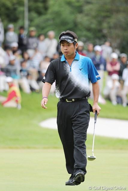 この日も終盤に崩れた池田勇太。3連続でカップに嫌われボギーをたたいた