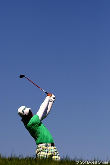 今日も朝から気持ちの良い、抜けるような青空 2011年 キヤノンオープン 2日目 ドンファン
