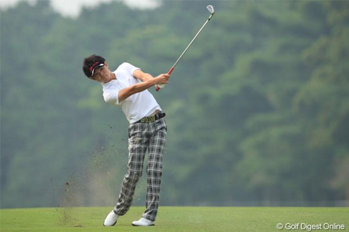 同学年の池田勇太と予選ラウンド同組でプレーしている諸藤将次 2011年 日本オープンゴルフ選手権競技 初日  諸藤将次