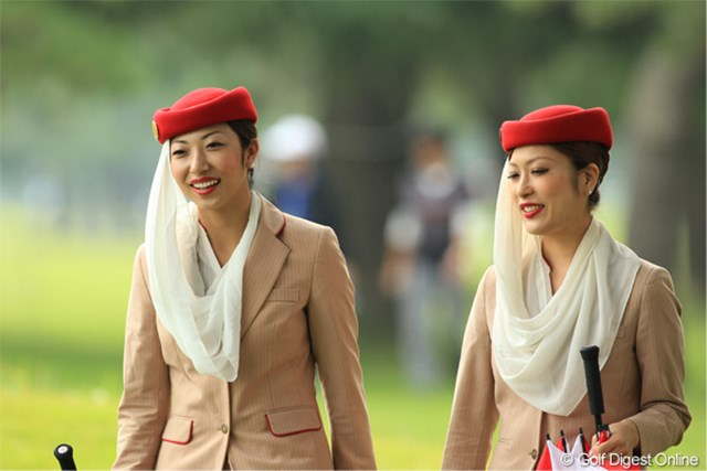 どちらかと聞かれれば、右の女性がタイプです。でも二人ともきれいだなぁ。