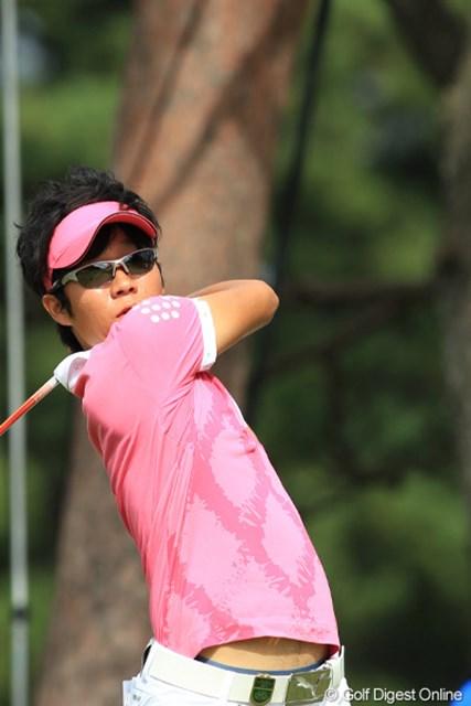 2011年 日本オープンゴルフ選手権競技 3日目 浅地洋佑 浅地洋佑は強風の中を耐えしのぎ、上位進出のチャンスを残した