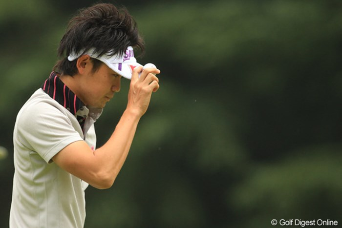 """ツアー屈指の飛距離を持つ諸藤将次。決して""""向いている""""コースではないが奮闘を続けている 2011年 日本オープンゴルフ選手権競技 3日目 諸藤将次"""