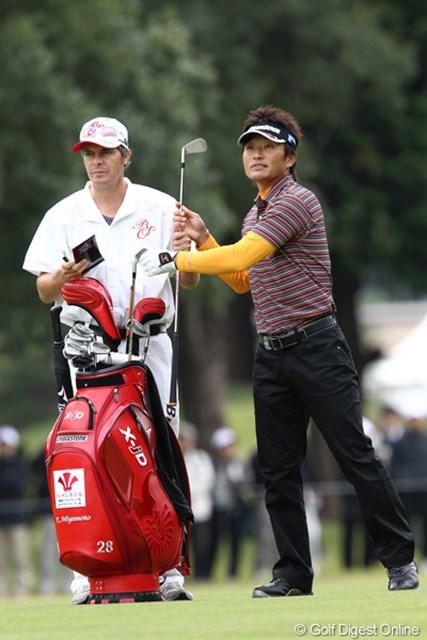 2011年 ブリヂストンオープンゴルフトーナメント 初日 宮本勝昌  2位に4打差つけてのダントツトップ