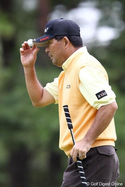 2011年 ブリヂストンオープンゴルフトーナメント 初日  中嶋常幸  まだまだ若い者には負けちゃおれません