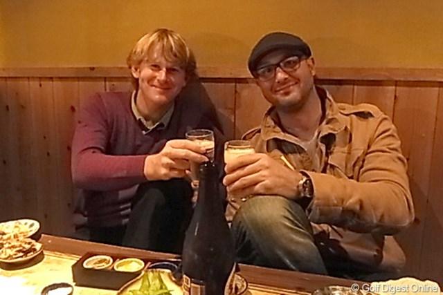 【スネデカー密着レポート(その1)】 ブラント・スネデカー コンビを組んで6年目というキャディのスコット(右)と。