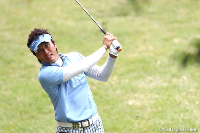 2011年 ブリヂストンオープンゴルフトーナメント 2日目 宮本勝昌 スコアは伸ばせなかったが、宮本勝昌は首位をキープ。ここからが正念場だ