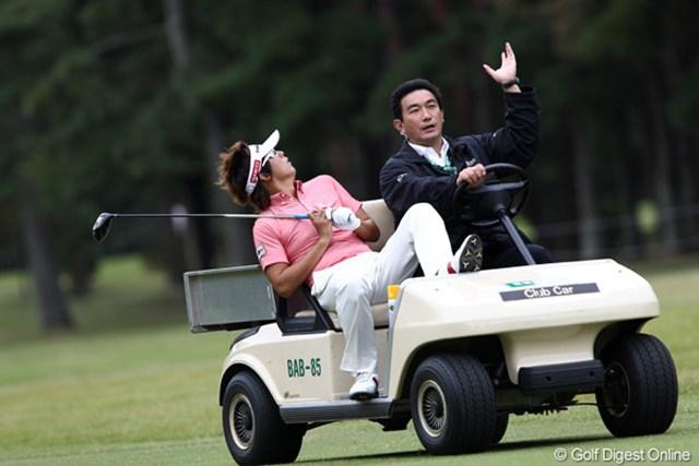 2011年 ブリヂストンオープンゴルフトーナメント 2日目 Jチョイ ボールがご神木に当たり見つからず・・・