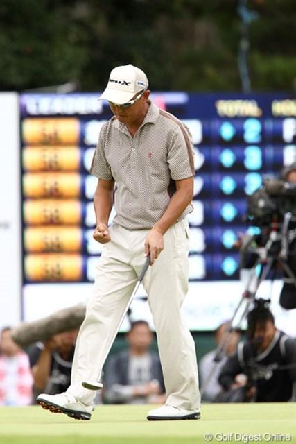 2011年 ブリヂストンオープンゴルフトーナメント  最終日  谷口徹  17番優勝を確信したかのようなガッツポーズ
