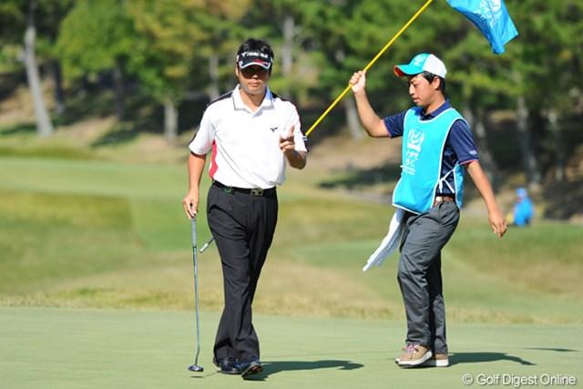 2011年 マイナビABCチャンピオンシップゴルフトーナメント 3日目 野仲茂 面白いようにバーディパットを決めた野仲茂