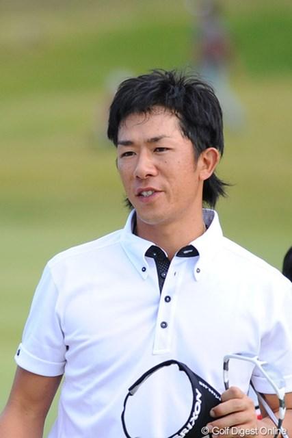 藤田くんの弟弟子が7バーディの67で9位タイフィニッシュ。この試合は、チーム藤田VS谷口VS田中の様相を呈した来たようで・・・。