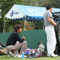 今大会1番ホールのティショットを生中継しておりました。最終日の解説は石井忍プロ。 2011年 富士フイルムシニアチャンピオンシップ 最終日 Ust中継基地局