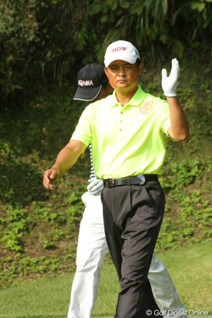 2011年 富士フイルムシニアチャンピオンシップ 最終日 崔光洙 崔さん、ティショットはフェアウェイをとらえてご満悦。