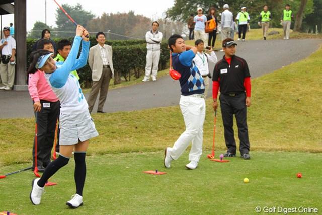 テレビのリポーターで参加した東尾理子も練習に参加