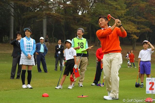 キャプテンとして出場した宮本勝昌は9ホールで14アンダーを記録