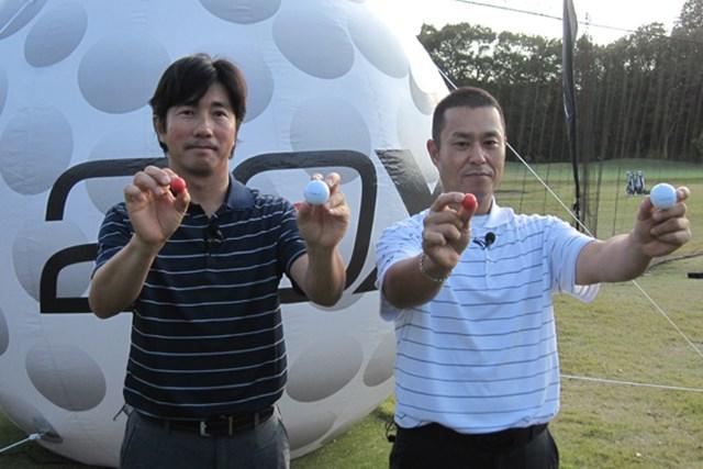 ギアニュース ボール業界に革命!?コア素材を変えた「ナイキ 20XI」 NO.1 ついに日本でお披露目となった「ナイキ 20XIボール」。深堀プロと原口プロがデモンストレーションを行った