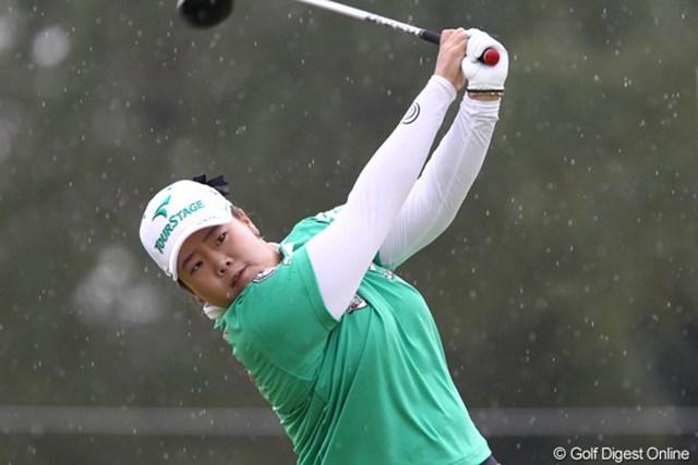 2011年 伊藤園レディスゴルフトーナメント 初日 アン・ソンジュ 10番でダブルボギーをたたくが地力で暫定3位に浮上したアン・ソンジュ