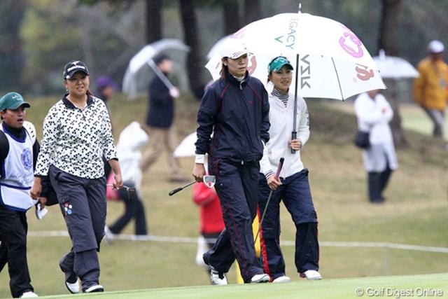 2011年 伊藤園レディスゴルフトーナメント 初日 上田桃子  この試合でも笑顔が良く見かけられますね~