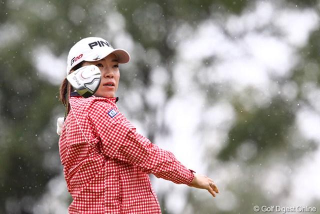 2011年 伊藤園レディスゴルフトーナメント 初日 大山志保  寒さには勝てません