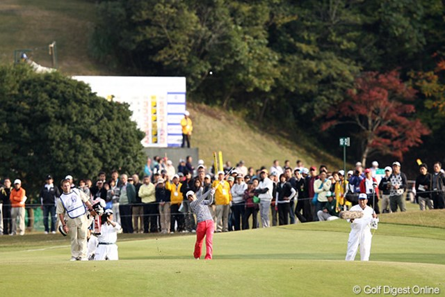 2011年 伊藤園レディスゴルフトーナメント 2日目 横峯さくら トップと2打差、優勝争いは?