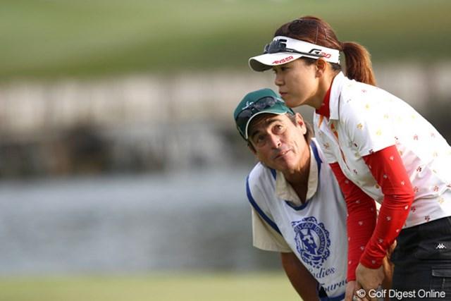 2011年 伊藤園レディスゴルフトーナメント 2日目 大山志保 ガン見?