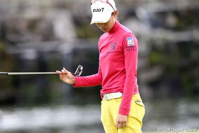 2011年 伊藤園レディスゴルフトーナメント 2日目 木戸愛 一打差で泣いてしまいました