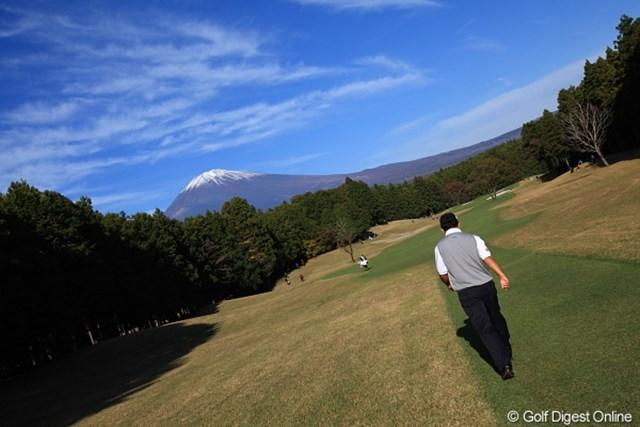 2011年 三井住友VISA太平洋マスターズ 最終日 中嶋常幸 富士山と中嶋プロ。