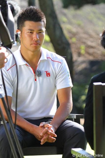 2011年 ダンロップフェニックストーナメント 事前  松山英樹 地元テレビ局のインタビューで大会への意気込みを語る松山英樹
