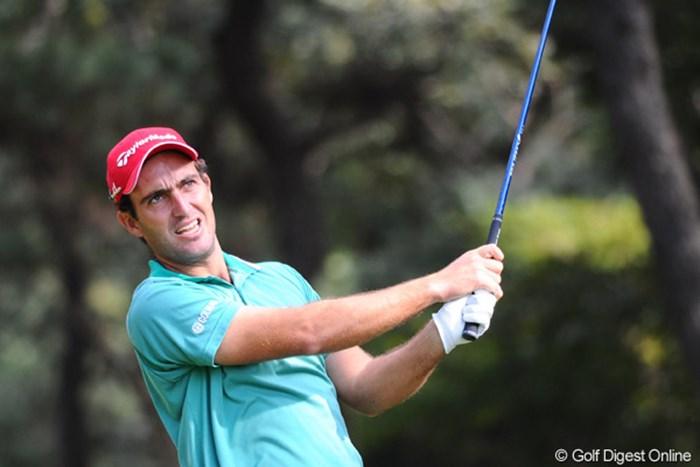 本大会の一昨年のチャンピオンですが、まったく強そうには見え・・・。普通のオッちゃんとしか・・・。いかんいかん。ゴルフは顔でするもんやない!42位T 2011年 ダンロップフェニックストーナメント 初日 エドアルド・モリナリ