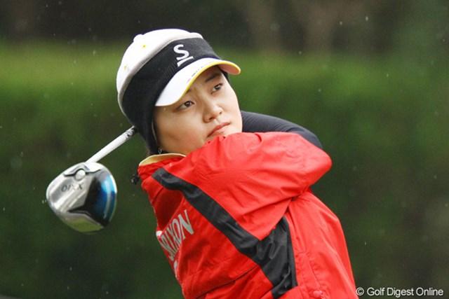 2011年 大王製紙エリエールレディスオープン 初日 姜如珍 現在賞金ランキング55位ですが、逆転でのシード権獲得を狙います。5アンダー2位タイ。