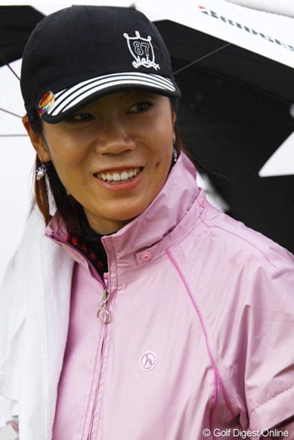 2011年 大王製紙エリエールレディスオープン 初日 李知姫 今週優勝すれば、まだ賞金女王の可能性があるのですが・・・。30位タイ発進とやや出遅れました。