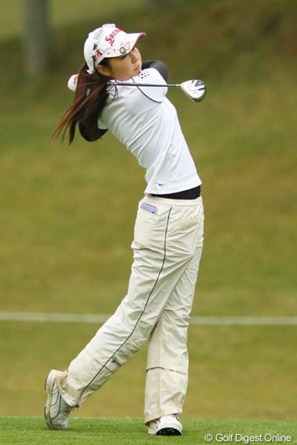 2011年 大王製紙エリエールレディスオープン 初日 高橋恵 こちらも中学3年生。えっ?1996年生まれ?ついこの間の出来事ですが・・・。ベテランの引退は淋しい限りですが、今後も女子ゴルフ界は着実に有望な人材が育っているようですね。