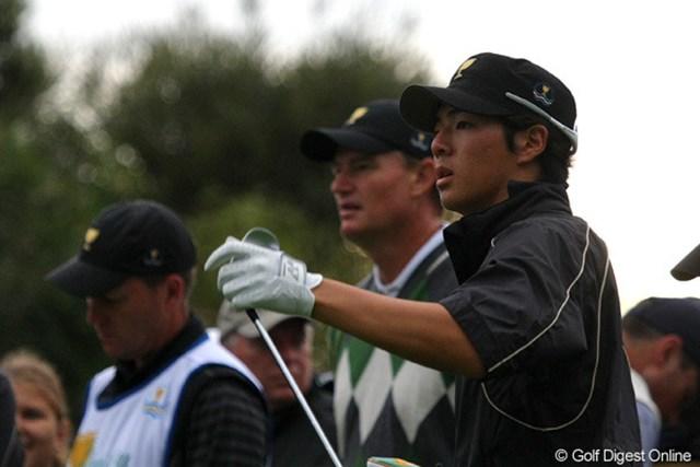 初日から数えて3回目のペア結成で、ようやく初勝利を挙げた石川遼とアーニー・エルス