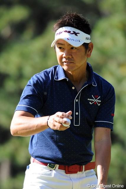 2011年 ダンロップフェニックストーナメント 最終日 藤田寛之 前半でスコアを落として、今日はイイトコ無し・・・。ちょっとお疲れモードやった?7位T