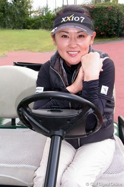 2011年 LPGAツアーチャンピオンシップリコーカップ事前情報 北田瑠衣 なんて自然に決まるのでしょう。北田瑠衣プロの癒やしショット