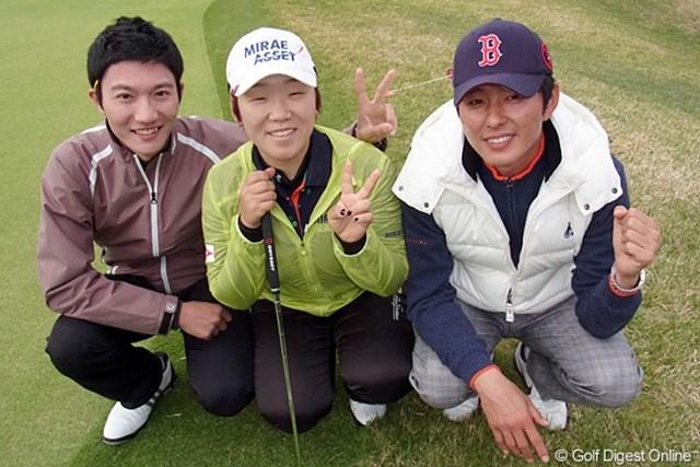 2011年 LPGAツアーチャンピオンシップリコーカップ事前情報 チーム申智愛 チーム申智愛。コーチ(右)のウ・チョンワンと、マネージャー(左)のキム・チャンミンさん