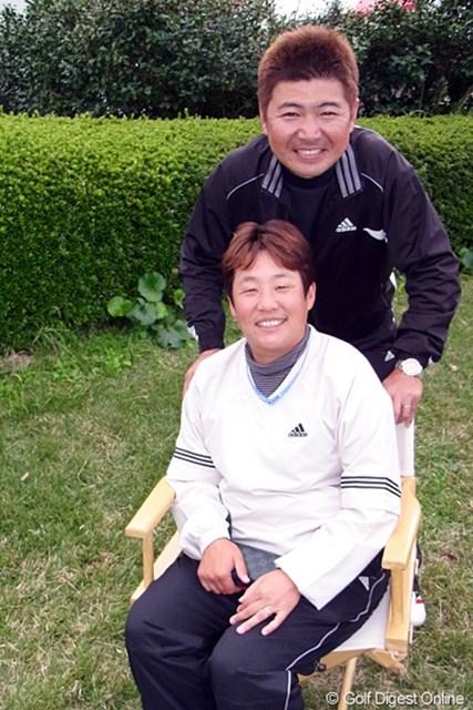 2011年 LPGAツアーチャンピオンシップリコーカップ事前情報 表純子 デジカメおたくという表純子と旦那でキャディの広樹さん。カメラが欲しい!